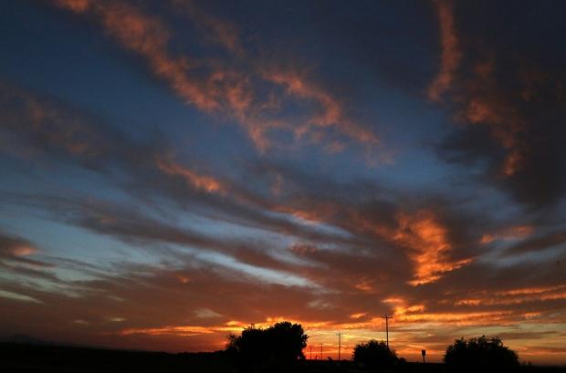 Isenberg sunset crane arrival29