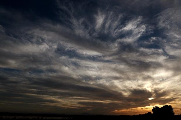 Isenberg sunset crane arrival3