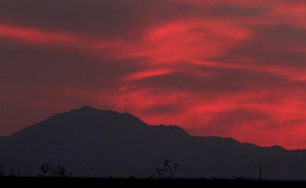 Isenberg sunset crane arrival34