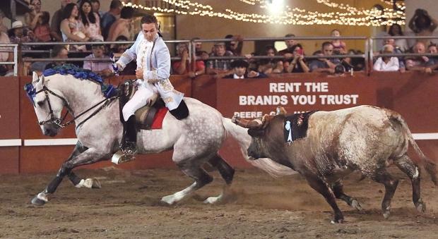 bloodless bullfights13  7-04-14