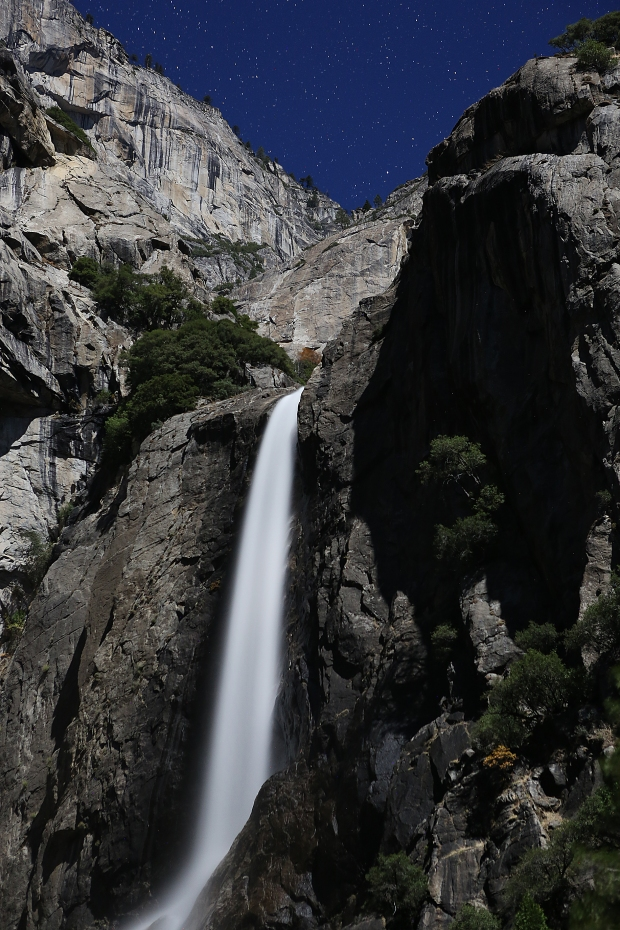 yosemite-falls-supermoon12