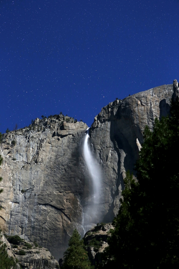 yosemite-falls-supermoon3